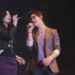 Joe Jonas and Demi Lovato sing Make a Wave