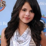 Selena Gomez Concerts Canceled Due to Strained Vocal Chords