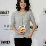 Selena Gomez Performs UNICEF Benefit Concert Unplugged