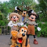Disney to Add Bonus Pics with Photo Pass at Select Character Meet and Greets