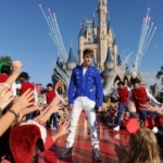 Justin Bieber, Jennifer Hudson to Headline a Star-Studded Disney Parks Christmas Day Parade
