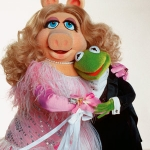 Kermit and Miss Piggy to Present at This Year's Academy Awards