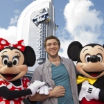 American Idol Phillip Phillips Makes Surprise Appearance at Disney's Hollywood Studios