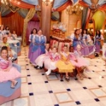 Bibbidi Bobbidi Boutique Adds Holiday Minnie Mouse Transformations