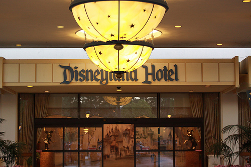 Heading To The Disneyland Resort This Fall Or Winter Disney Recently Announced A Special New Offer For Hotels That You Re Sure