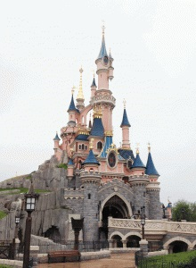 disneyland-paris-castle-220x300