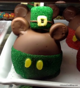 st-patricks-day-mickey-candy-apple-big-top-treats-566x625