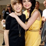Selena Gomez and Justin Bieber:  Canoodling in the Caribbean?
