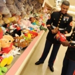 Disney VoluntEARS Donate Thousands of Toys to Local Florida Toy Drive